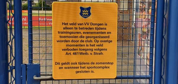 Betreden velden buiten openingstijden niet toegestaan