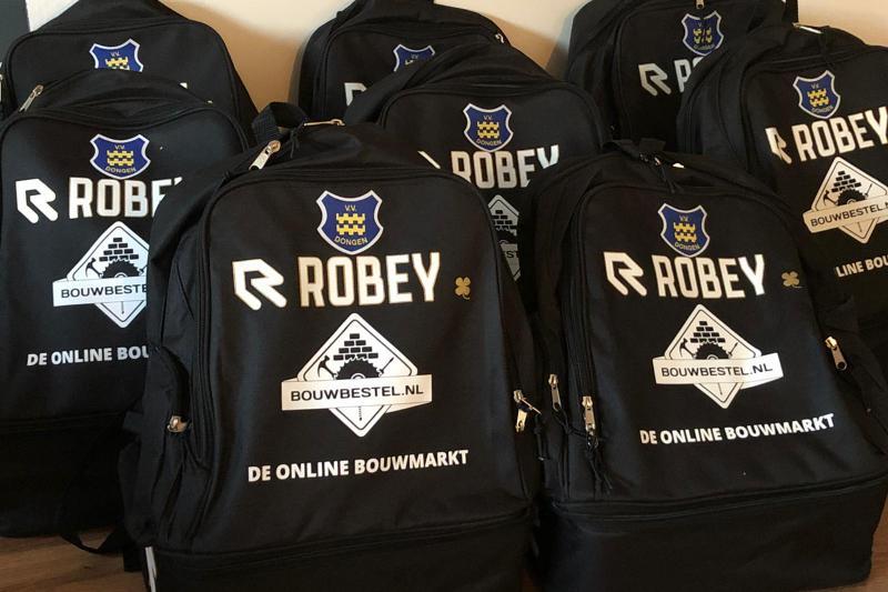 Bouwbestel.nl sponsort tassen JO8-1