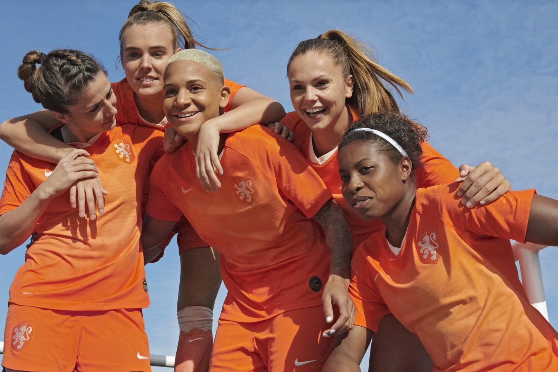 Damesvoetbal bij VV Dongen nieuwe impuls!